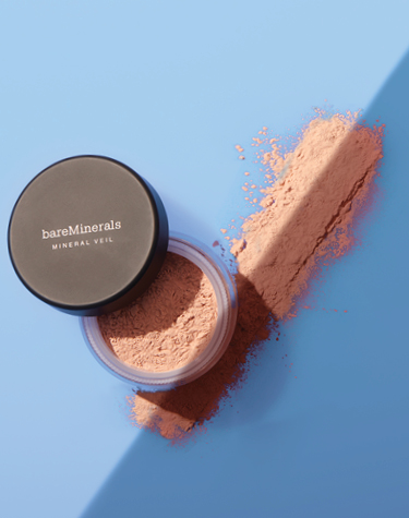 Mineral Veil Tinted Finishing Powder in shadow
