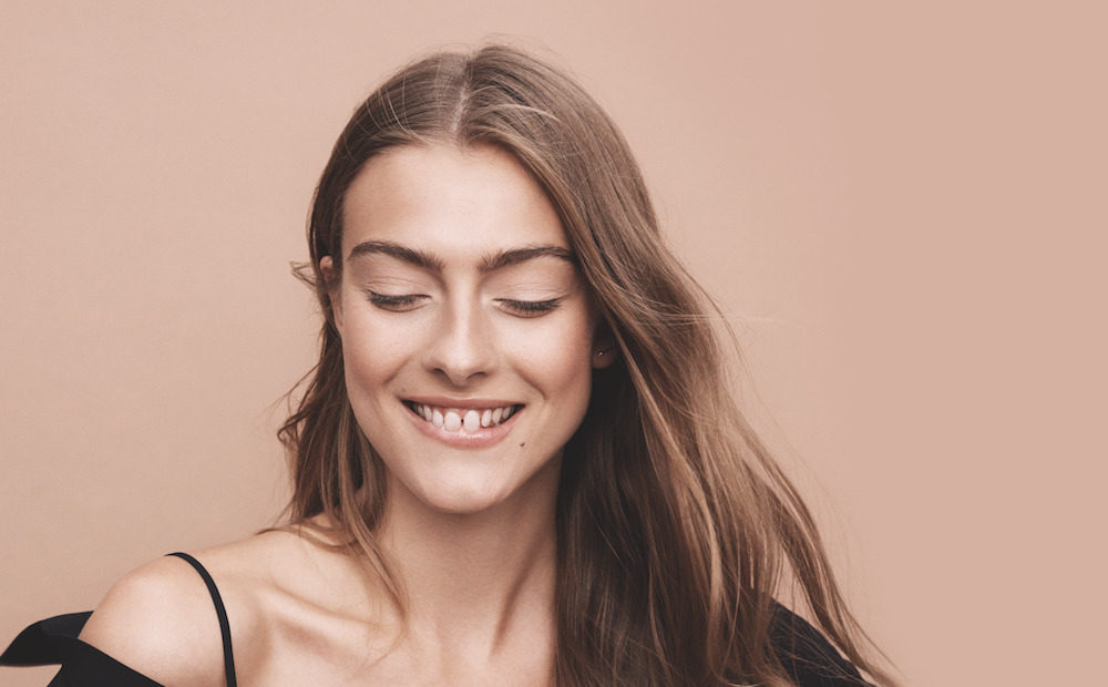 Easy Eye Makeup in 60 Seconds