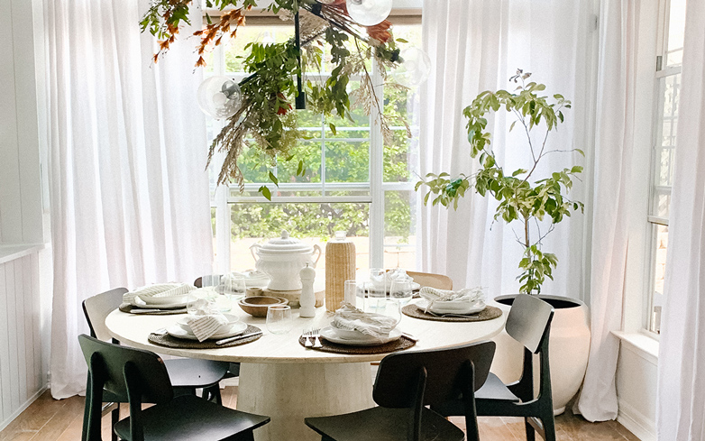 Expert Advice for a Warm & Welcoming Thanksgiving Table